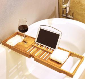 Bandeja de Bañera de bambú Premium de Harcas. Magnífica Bandeja de Baño  extensible con soporte para copa de vino y soporte para iPad   reposa  libros. ac08a8da1c7d